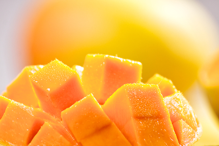 Mango kostky plátky zblízka makro