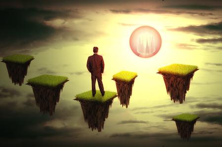 herbe ciel: Homme d'affaires debout sur des morceaux de ciel herbe de la terre de fond futuriste Banque d'images