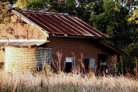 galvanised: abandoned farm shed Stock Photo