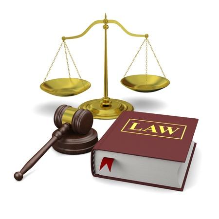 gerechtigheid: Hamer, schaal en het recht boek, geïsoleerd op een witte achtergrond, symbolen van recht en justitie