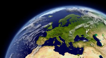 mapa europa: Europa vista desde el espacio con la atm�sfera y las nubes. Los elementos de esta imagen proporcionada por la NASA.