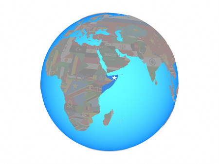 Somalië met nationale vlag op blauwe politieke wereldbol. 3D illustratie geïsoleerd op een witte achtergrond. Stockfoto