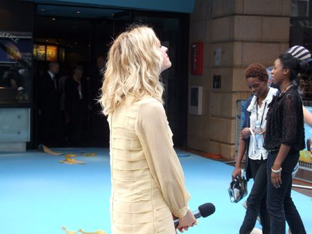 bowman: Londra - 19 agosto: Edith Bowman a distanza in corso 19 agosto 2010 a Leicester Square, London, England. Editoriali