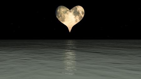 night moon: Una luna en forma de coraz�n sobre el mar.
