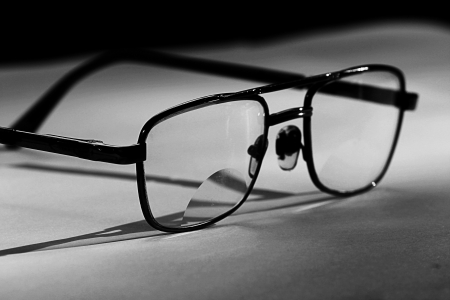 myopic: eye glasses