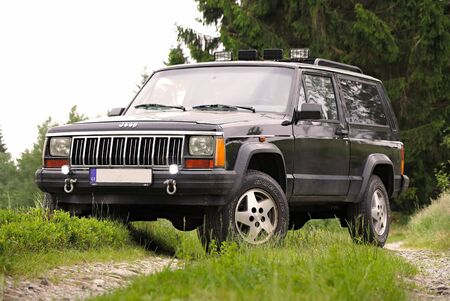 Jeep Cherokee XJ 4x4 ofroud ride in nature