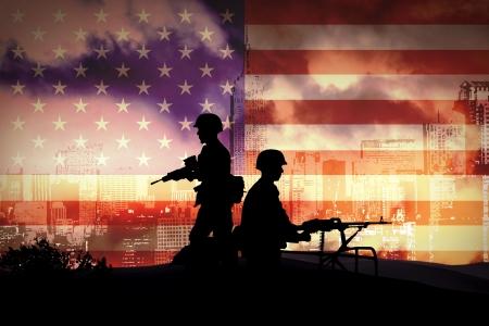 batallon: las siluetas de los soldados en Nueva York Foto de archivo