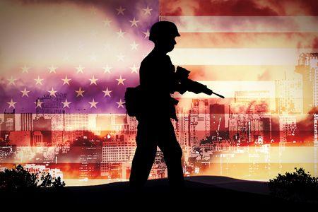 batallon: siluetas de soldados en toda Nueva York