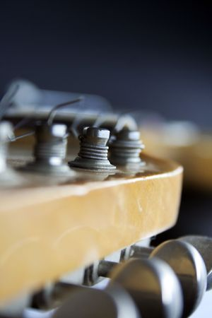 tremolo: vicino di una chitarra elettrica