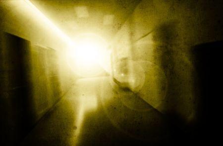 psyche: la mujer con la presi�n ps�quica en un corredor