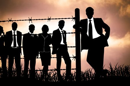 political system: directores de la banca tras el alambre de espino