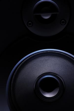 Près d'un haut-parleur noir avec effet de lumière Banque d'images - 11168379