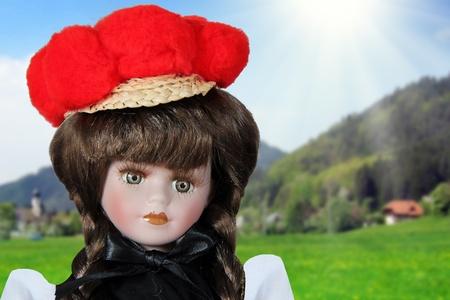 Originale poupée Forêt-Noire avec costume traditionnel Banque d'images - 12861929