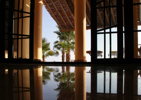 nice view with marble floor and pillar with palms Banque d'images