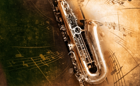 saxophone: Sax retro con el antiguo fondo de textura amarillenta Foto de archivo