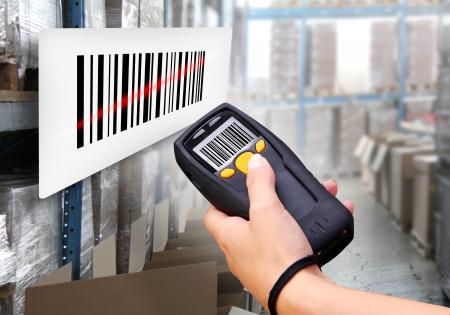 barcode: Handheld computer voor draadloze barcode scanning identificatie Stockfoto