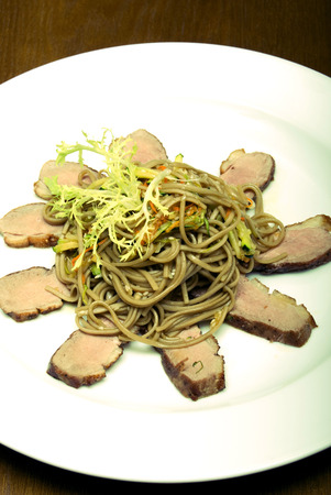 ruccola: Spaghetti served with meat and ruccola