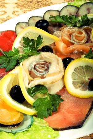 cartilaginous: Shellfish with cartilaginous fish served with lemon