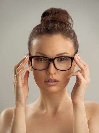 Nackte frauen mit brille