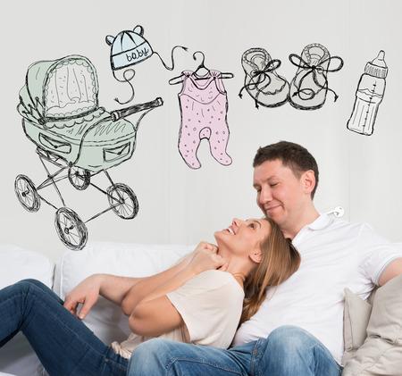 planificaci�n familiar: Concepto reci�n nacido. Pareja adulta planificaci�n de su beb�