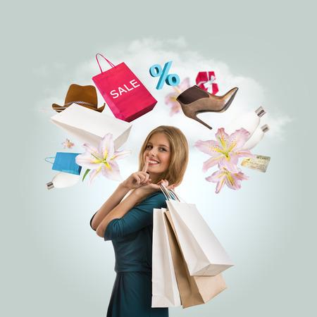 Vrouw winkelen concept. Collage met verschillende shopping symbolen rond meisje Stockfoto