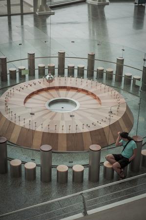 reloj de pendulo: Reloj de p�ndulo enorme