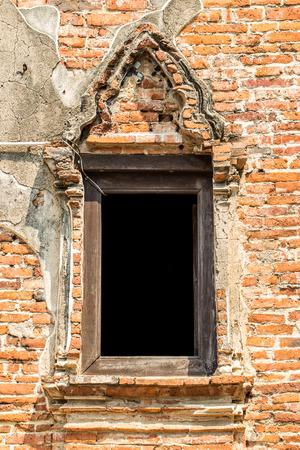 eligion: traditional Thai style window at Wat Samanakotharam, Ayutthaya, Thailand Stock Photo