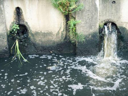 Residuos contaminación del agua Foto de archivo