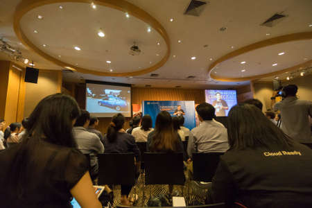 Bangkok, Thailand - 21 december 2015: Unidentified startups en tech talent een ontmoeting met top-tier internationale investeerders, managers en media voor de concurrentie pitching