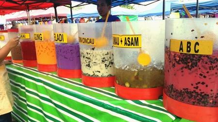 bebidas frias: Sabrosas bebidas fr�as coloridos Foto de archivo