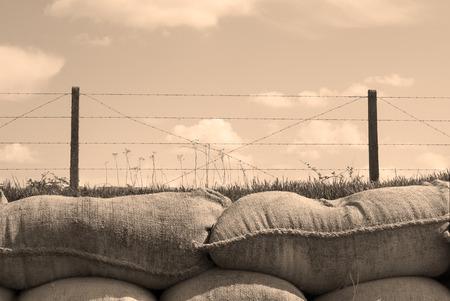 1 つはベルギーで土嚢死世界大戦の塹壕 写真素材 - 28426601