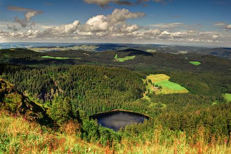 Panorama zobrazení na šířku přes Černý les, Německo