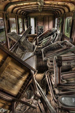 pitting: Abandoned Carriage (HDRi)