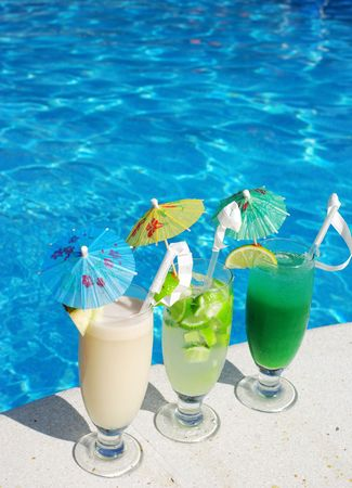 pina: Cocktails near the swimming pool