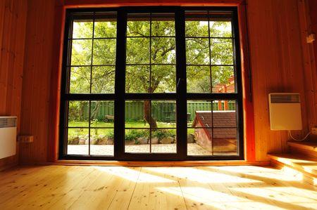 big window: Big venster showcase houten interieur