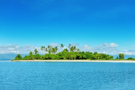 Hermosa isla deshabitada en Filipinas Foto de archivo