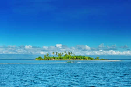 Beautiful uninhabited island at Philippines Stock Photo - 9056678