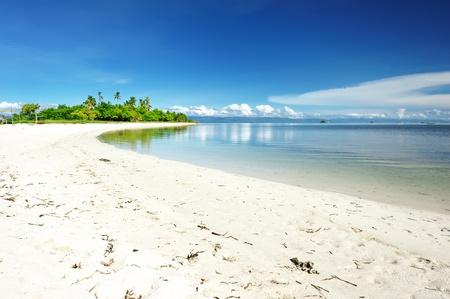 onbewoond: Mooie onbewoond eiland in de Filipijnen Stockfoto