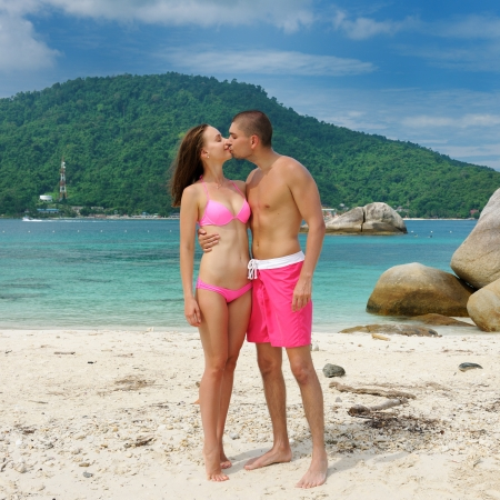 beach kiss: Couple on a tropical beach