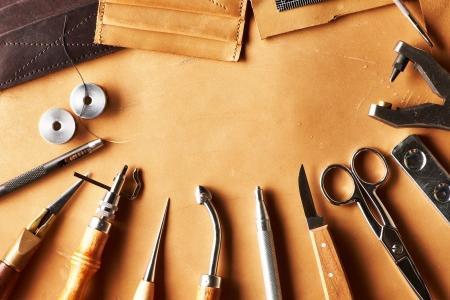 Leder Handwerkszeug Stillleben