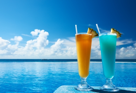 village vacances: Cocktails pr?s de la piscine