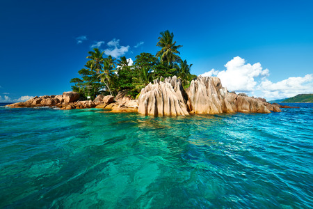 Hermosa isla St. Pierre en Seychelles Foto de archivo - 37054501