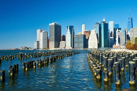 lower manhattan: Lower Manhattan skyline view from Brooklyn Bridge Park in New York City
