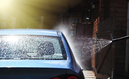 lavado: Lavado de coche azul al aire libre