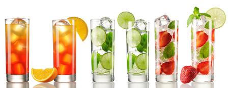 cocteles de frutas: Conjunto del coctel aislado en blanco
