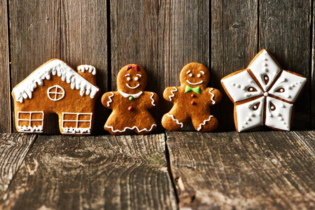gingerbread cookies: Christmas homemade gingerbread cookies cookies on wooden table Stock Photo