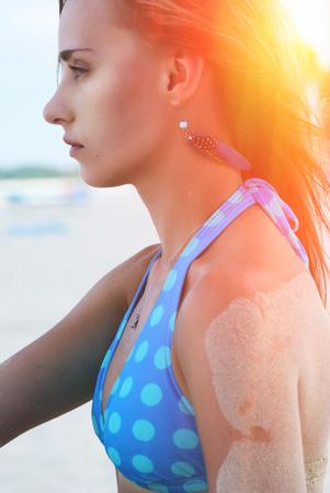 atlantic ocean: Bikini girl on caribbean beach