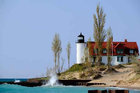 lake michigan lighthouse: Betsie faro, construido en 1858, el lago Michigan, MI, EE.UU.