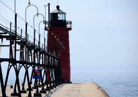 lake michigan lighthouse: South Haven Faro, construido en 1903, el lago Michigan, MI, EE.UU.