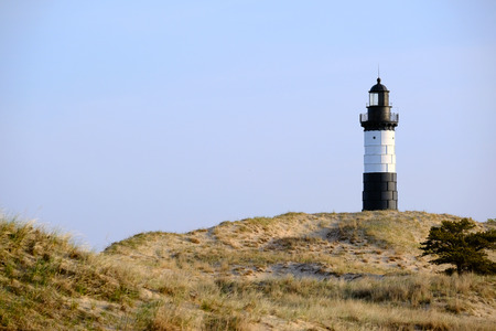 lake michigan lighthouse: Gran faro de la punta del Sable en las dunas, construido en 1867, el lago Michigan, MI, EE.UU. Foto de archivo